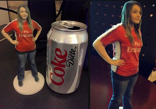 用3D打印机打印一个女朋友 再也不用担心女友漏气了