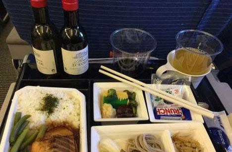 ANA的航空餐曝光 精致细致有红酒