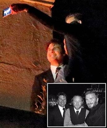 贝克汉姆与好朋友汤姆·克鲁斯和盖·里奇爬上伦敦的威灵顿拱门只为一张自拍