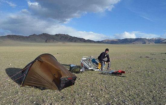 英24岁探险家独自徒步穿越蒙古国 最多一天走55公里-7