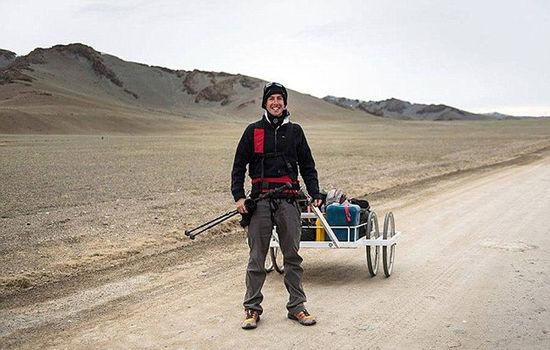 英24岁探险家独自徒步穿越蒙古国 最多一天走55公里-3