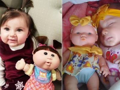 20个婴儿看起来就像他们的玩具娃娃