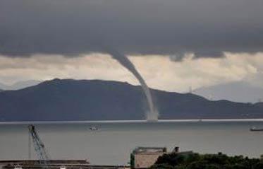 长江客轮倾覆因12级龙卷风?长江到底有没有龙卷风?