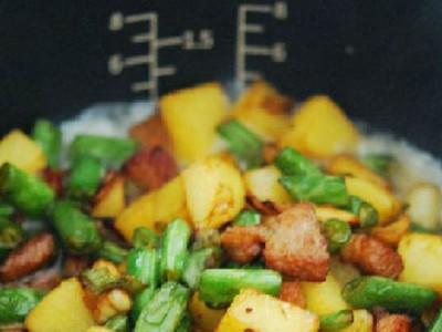 豆角土豆焖饭 有电饭煲就可以直接做来吃