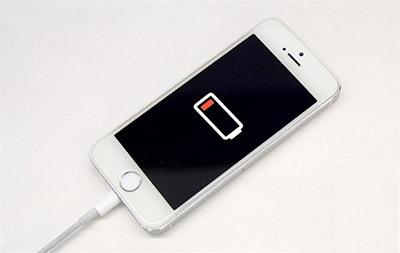 iPhone6电死人:女孩给iPhone6充电时被电死 两手击穿