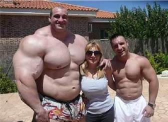 全球最壮硕男子 肌肉堪比绿巨人