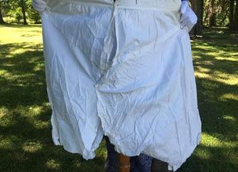 英女王内裤10万元拍出 内裤印有维多利亚女王名字缩写