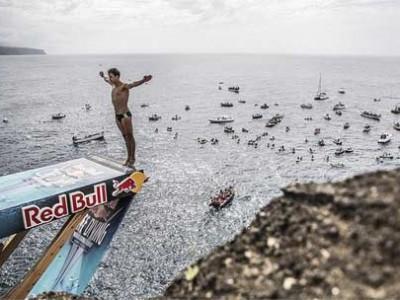 2015悬崖跳水葡萄牙站 竞技者30米高悬崖跳海