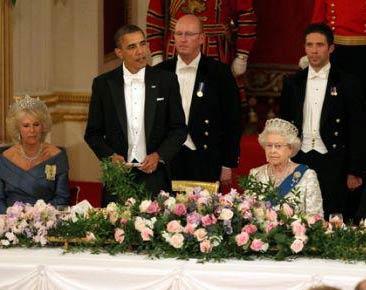 """见了女王 美国总统都变得""""好傻好天真"""""""