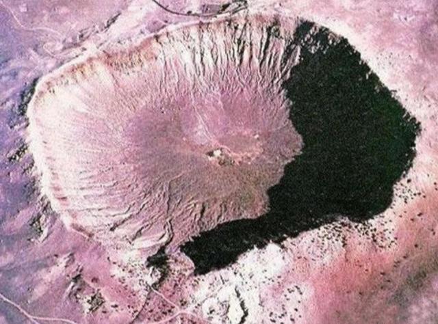 世界最古老的陨石坑 如今55万人居住 地下探明千吨黄金钻石