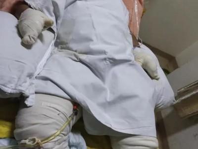 湖南月薪3万男子回老家求职抽烟引发爆炸被炸伤