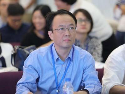 李景虹委员:建议严惩恶意欺凌他人的青少年