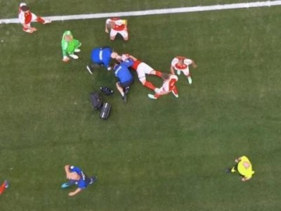 欧洲杯突发!埃里克森比赛中突然倒地 抢救十几分钟后送往医院