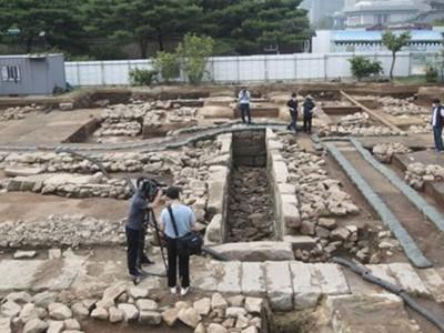 【视频】朝鲜王朝卫生间遗址被发现 比当时的欧洲还先进