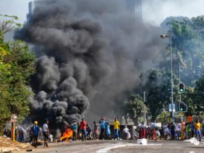 南非暴乱 在南非的中国人一定要小心 - 嗡在网