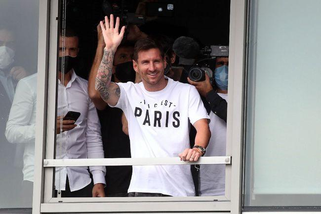 梅西加盟巴黎圣日耳曼 3500万欧年薪2+1合同 身披30号球衣