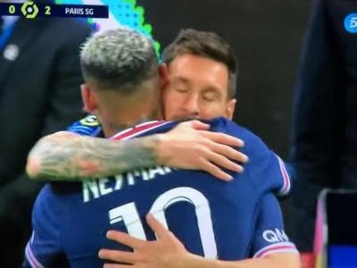 梅西替补首秀 姆巴佩双响建功 大巴黎2:0轻取兰斯