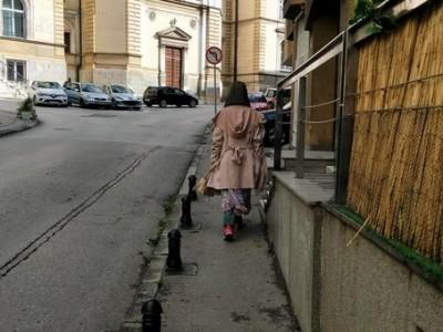 塞尔维亚失联成都女子与父亲相见 家属希望尽早回国